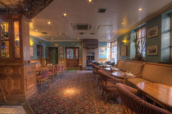 Carlingford Dining - Schooners Lounge